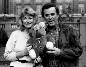 children-in-need-terry-wogan-sue-cook-and-original-pudsey-bear