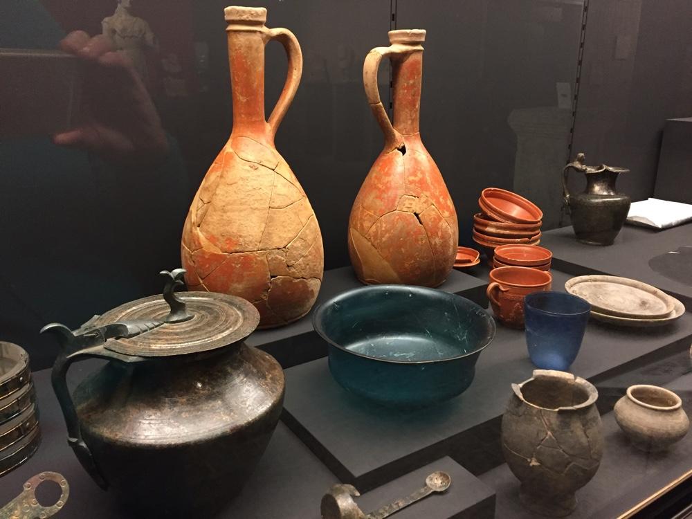 Funerary goods, Antran (Author photo)